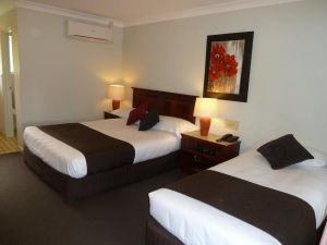 McNevins Warwick Motel - Geraldton Accommodation