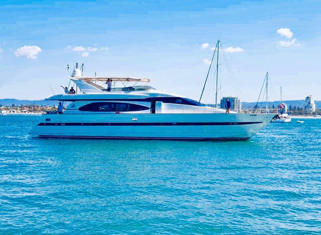 Million dollar Luxury 90ft yacht in Gold Coast - Geraldton Accommodation