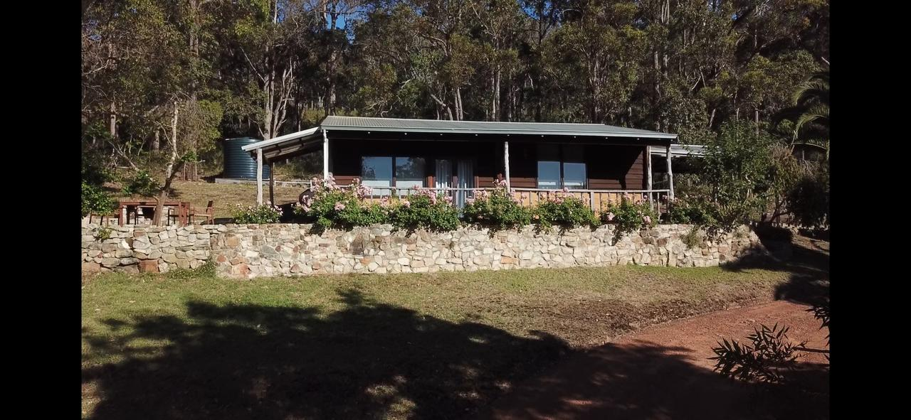 Kangaroo Valley Cottage - Geraldton Accommodation