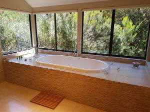 Jarrah Grove Forest Retreat - Geraldton Accommodation