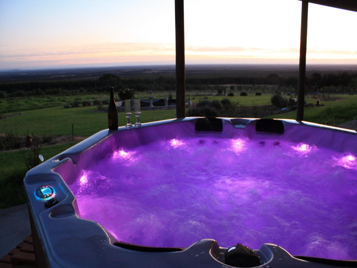 Tanen Farm - Geraldton Accommodation