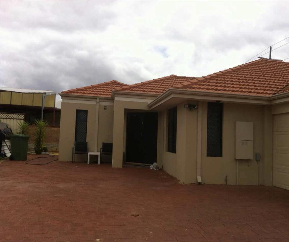 House close to airport - Geraldton Accommodation