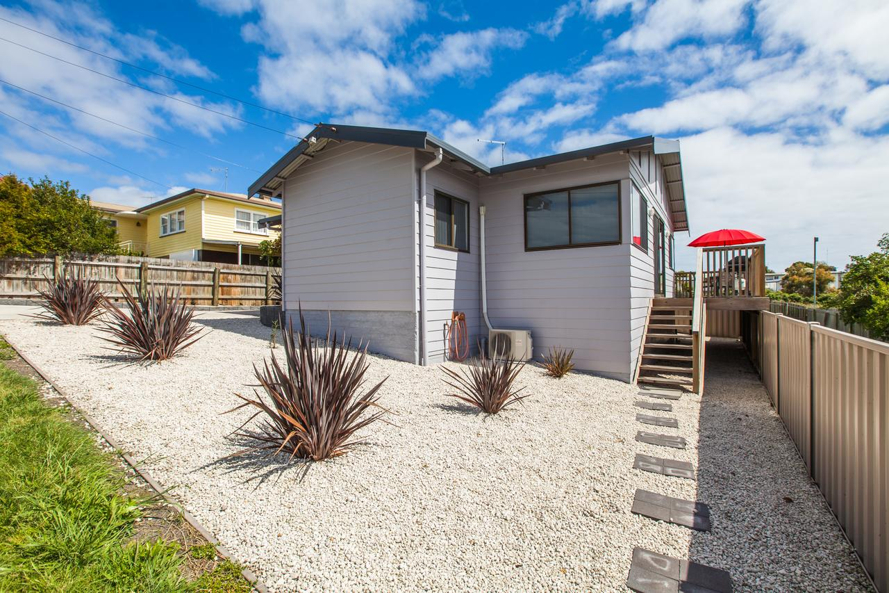 Bircoo Cottage Beach and Golf Getaway - Geraldton Accommodation
