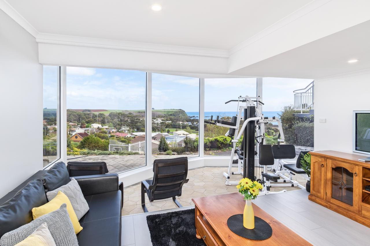 Views Forever - Devonport - Geraldton Accommodation