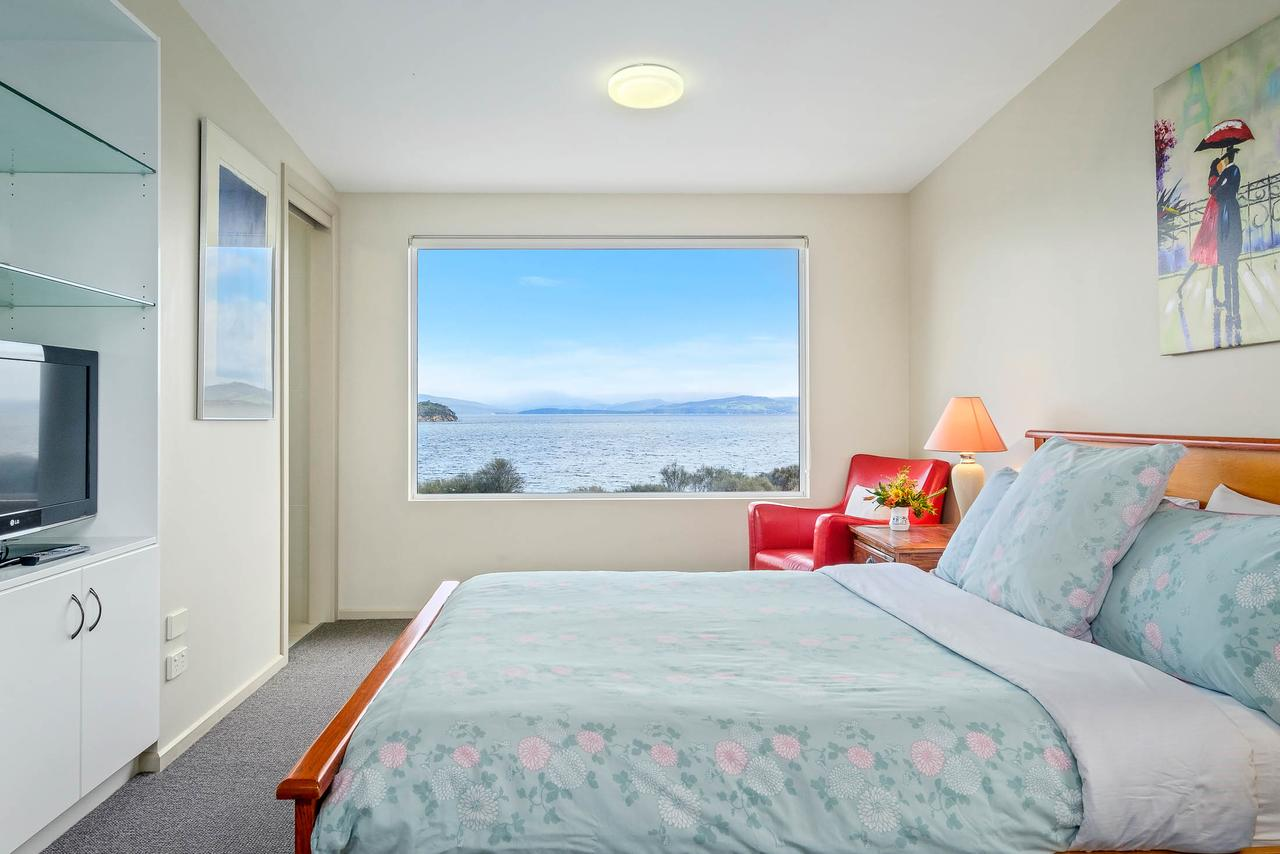 Manfield Seaside Bruny Island - Geraldton Accommodation