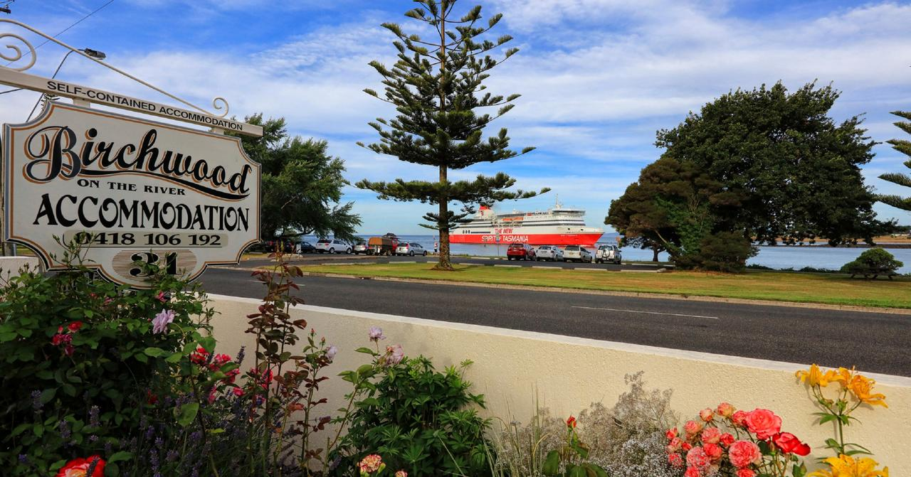 Birchwood Devonport self-contained self catering accommodation - Geraldton Accommodation