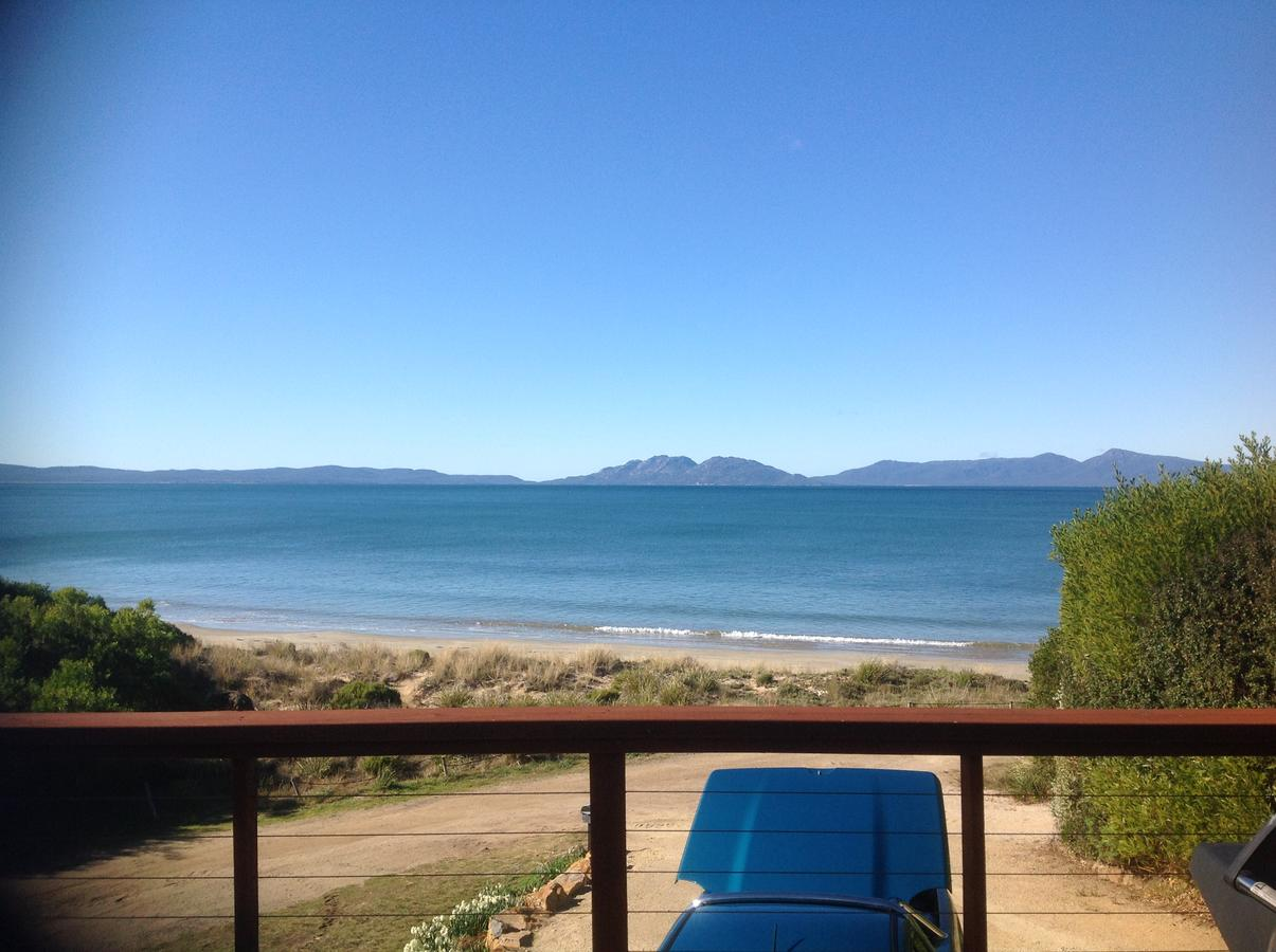 Swansea Beach House Oceanfront - Geraldton Accommodation