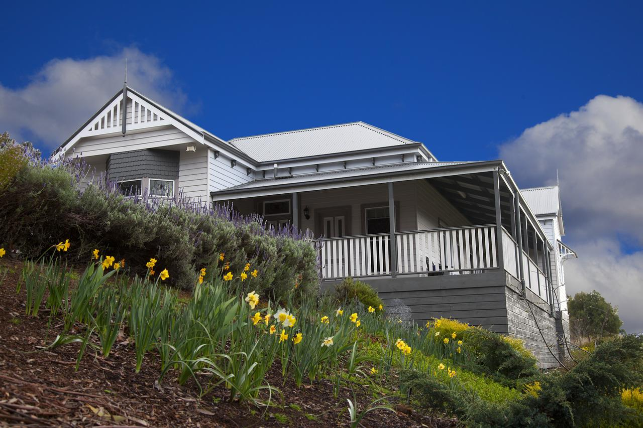 House on the Hill Bed and Breakfast - Geraldton Accommodation