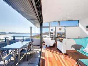 One Mile Cl Townhouse 22 26 The Deckhouse - Geraldton Accommodation