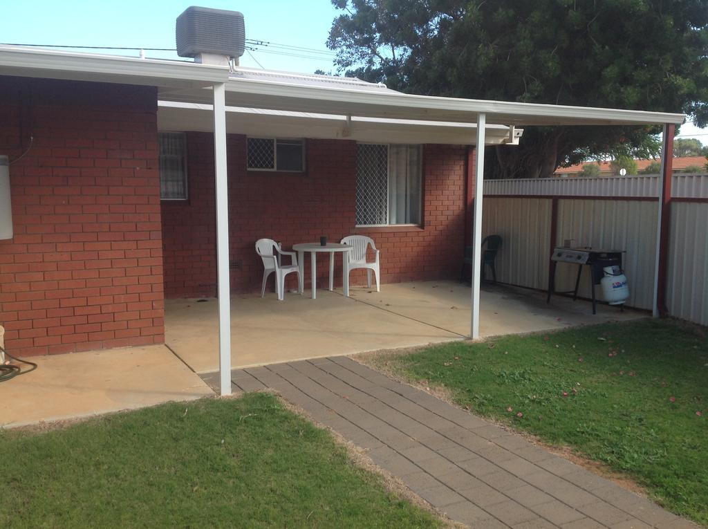 Rhodeside Lodge - Geraldton Accommodation