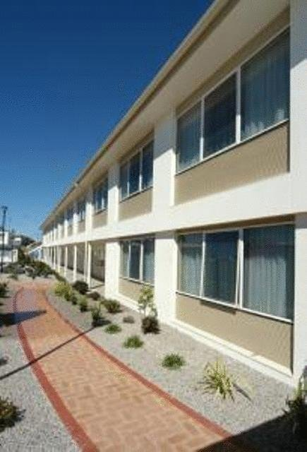 Edgewater Hotel - Geraldton Accommodation