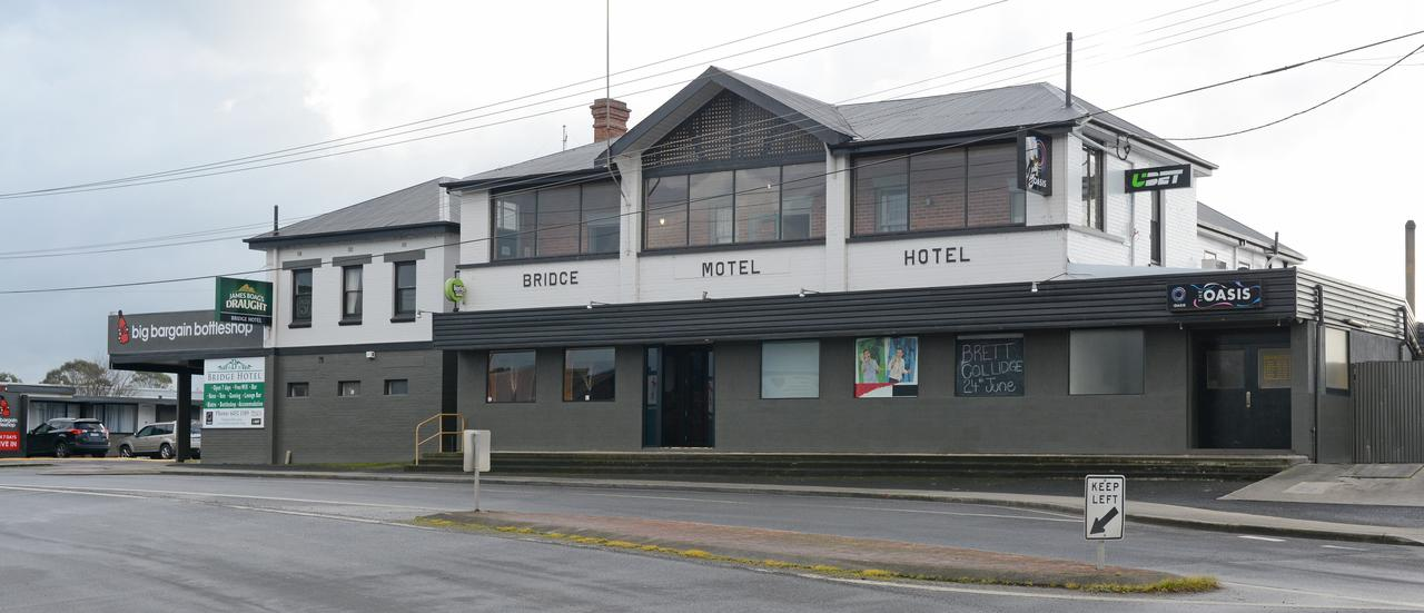 Bridge Hotel - Geraldton Accommodation