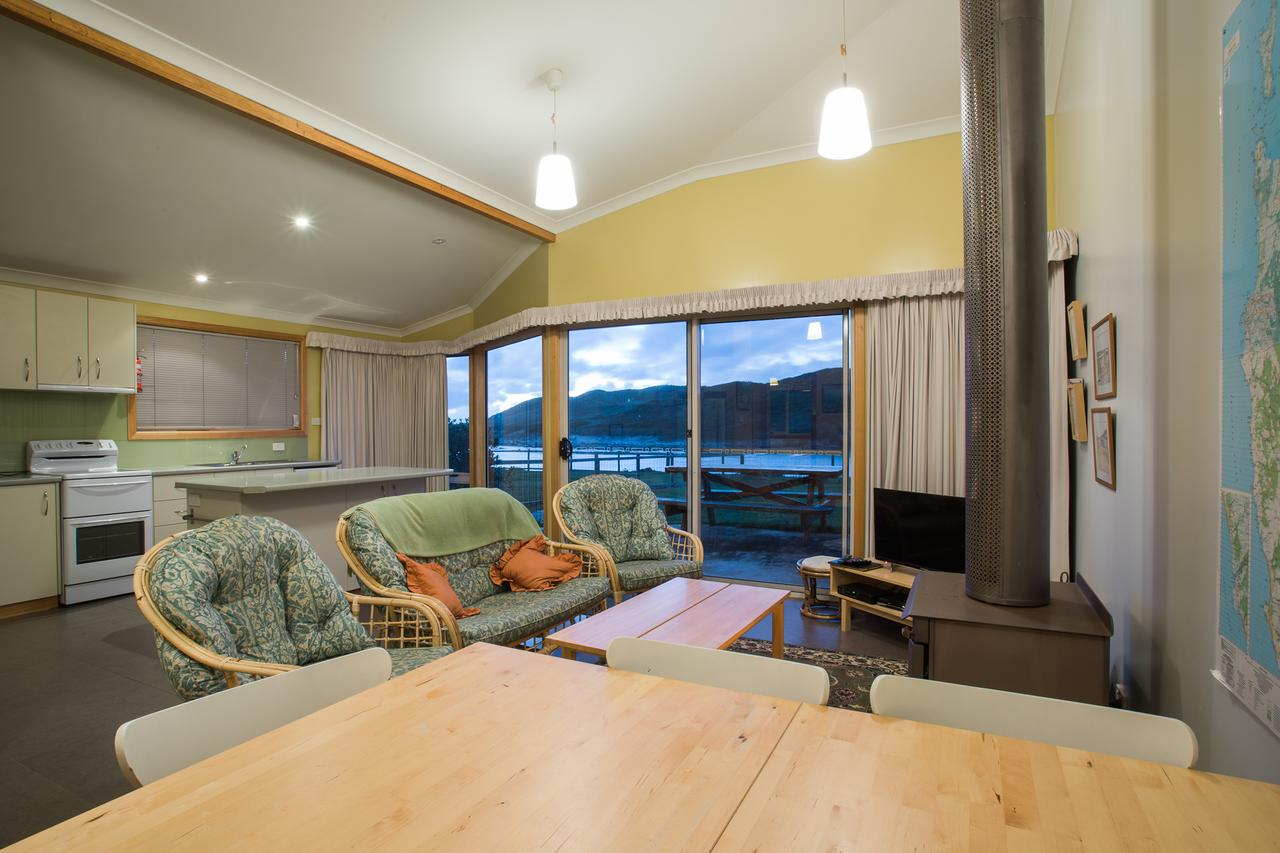 Arthur Riverfront and Sea Lodge downstream - Geraldton Accommodation