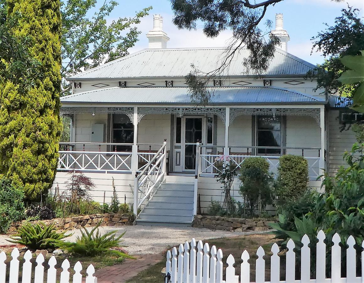Fairbank House - Geraldton Accommodation