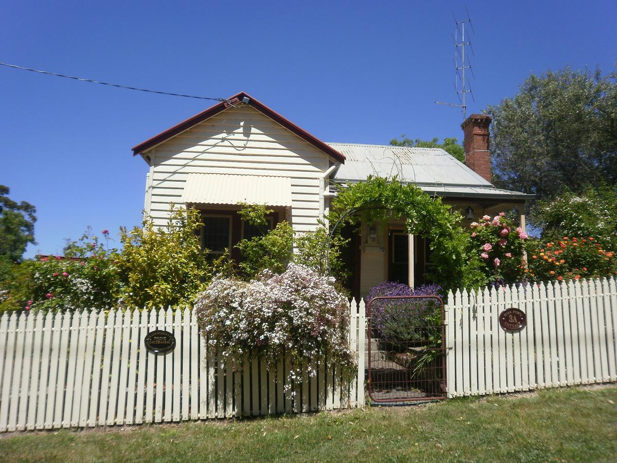 Miss Pym's Cottage - Geraldton Accommodation
