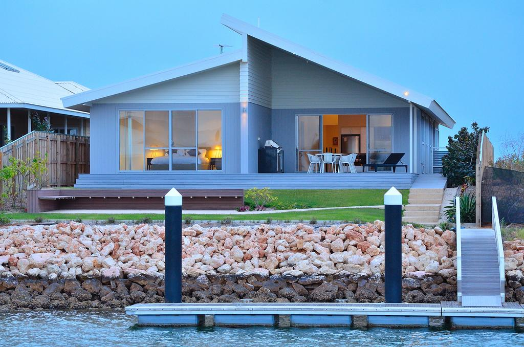 The Carnarvon Luxury Canal Home - Geraldton Accommodation