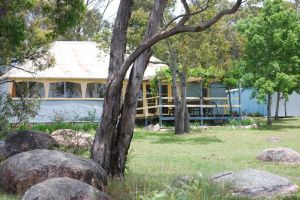 Twisted Gum Vineyard Cottage - Geraldton Accommodation