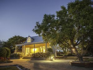 Vineyard Cottages - Geraldton Accommodation