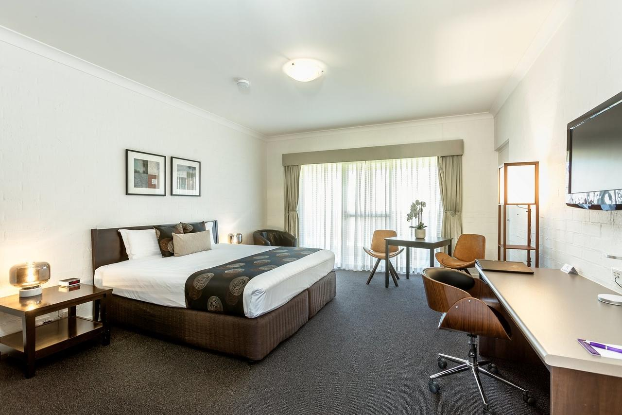 Blazing Stump Motel  Suites - Geraldton Accommodation