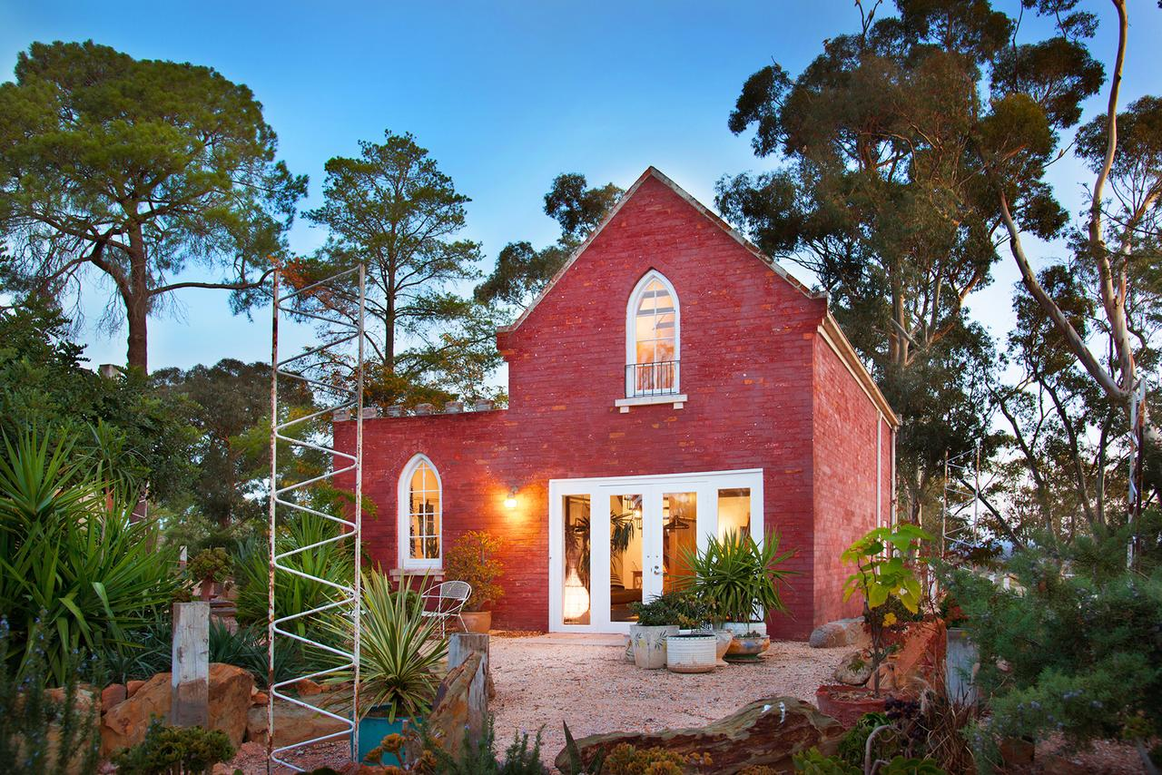bebe castlemaine - Geraldton Accommodation