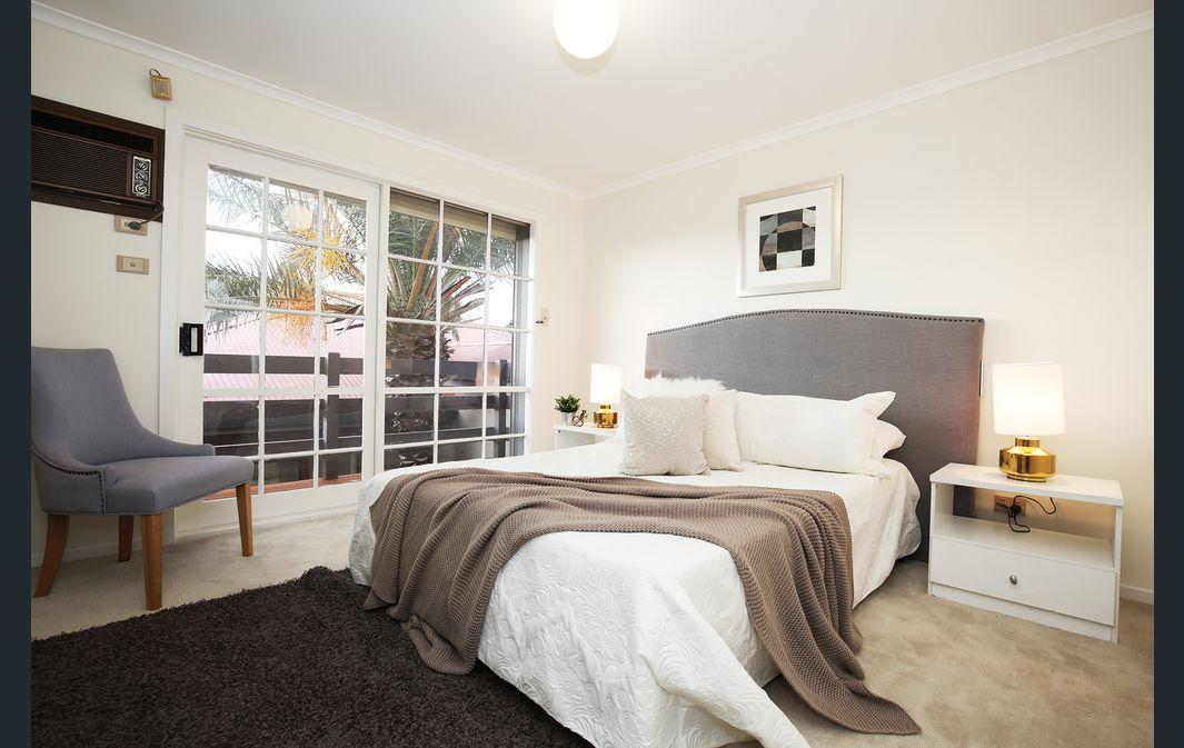 The Gallery Hours - Geraldton Accommodation