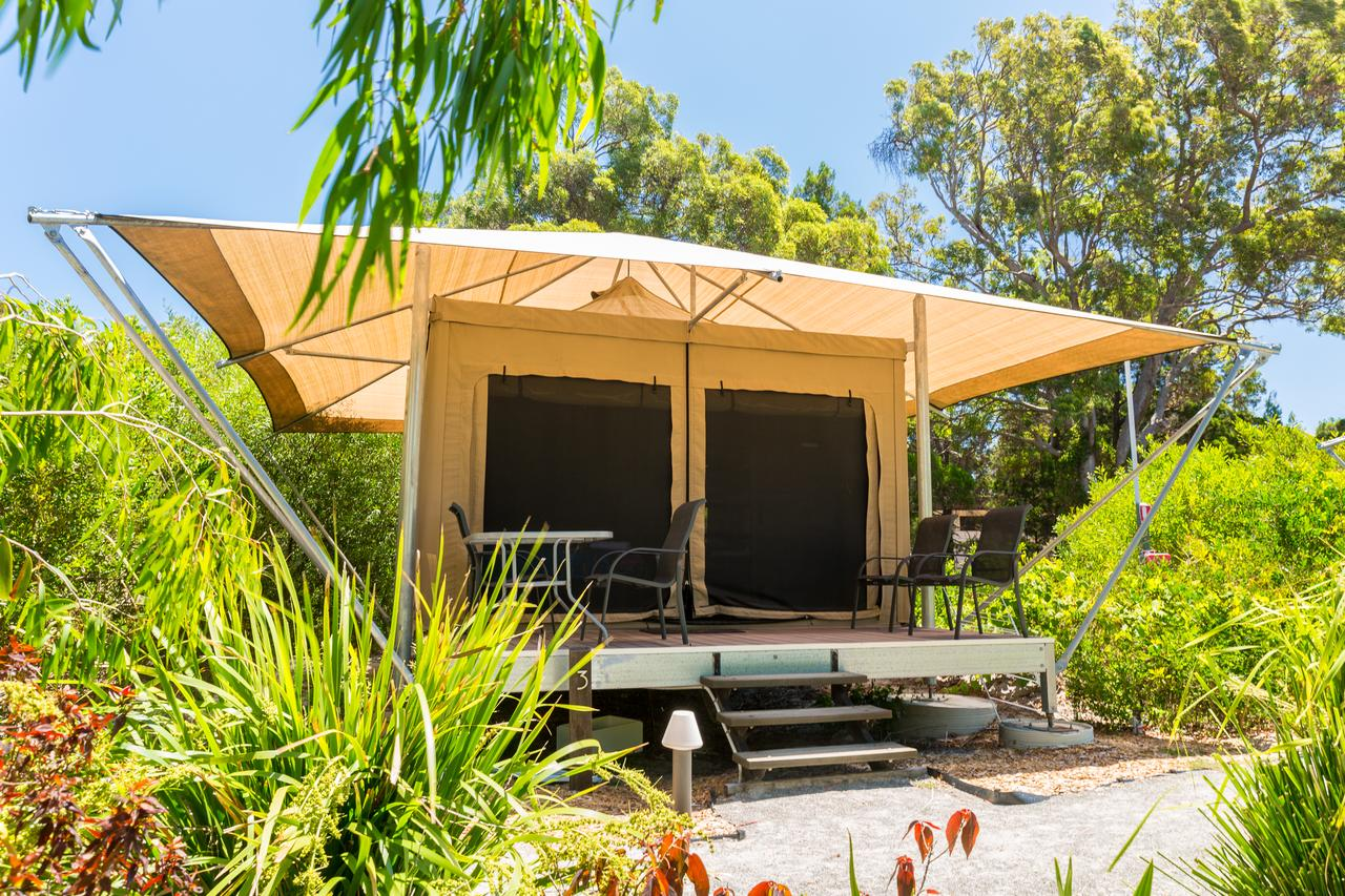 Castaways Moreton Island - Geraldton Accommodation