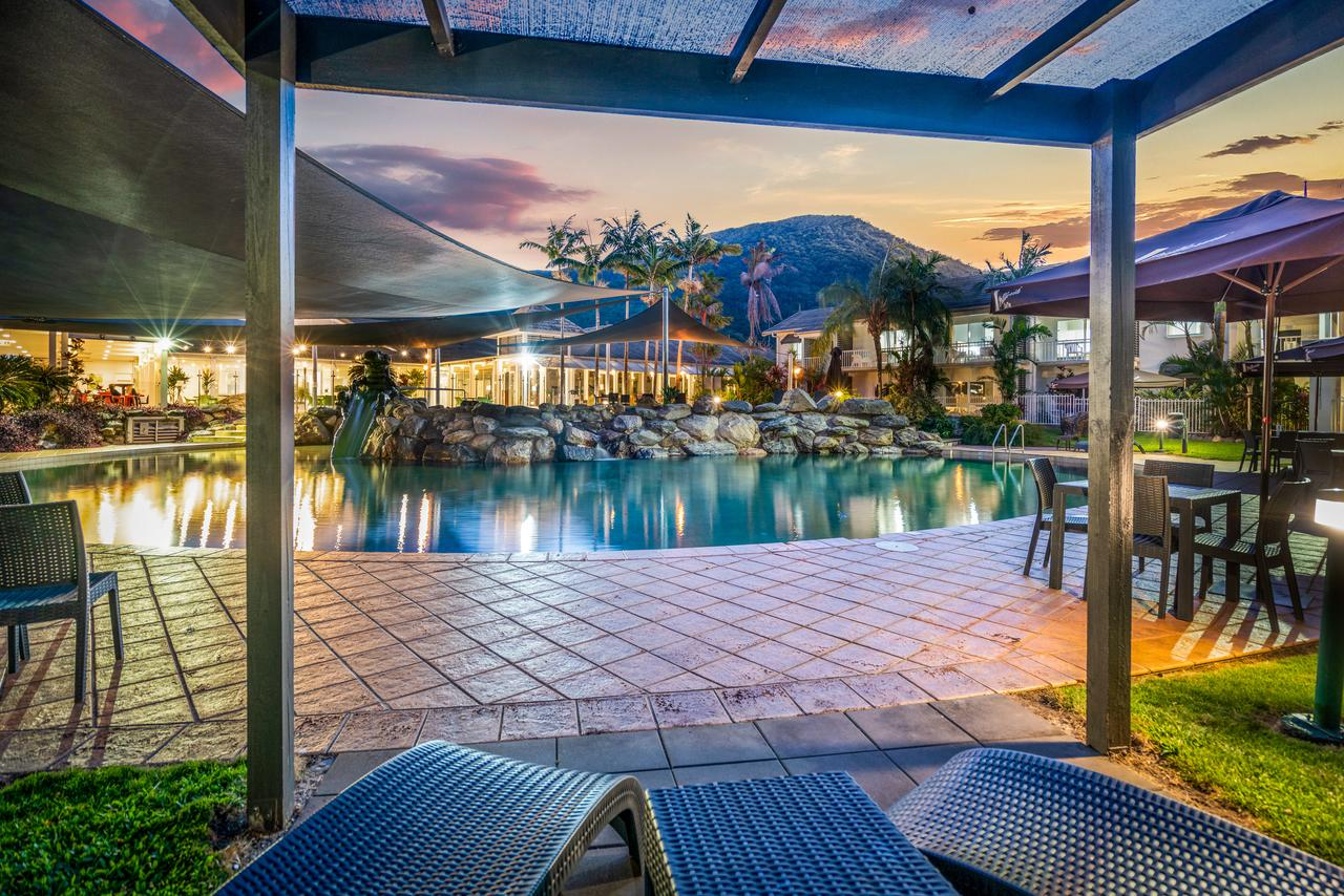 Hotel Grand Chancellor Palm Cove - Geraldton Accommodation