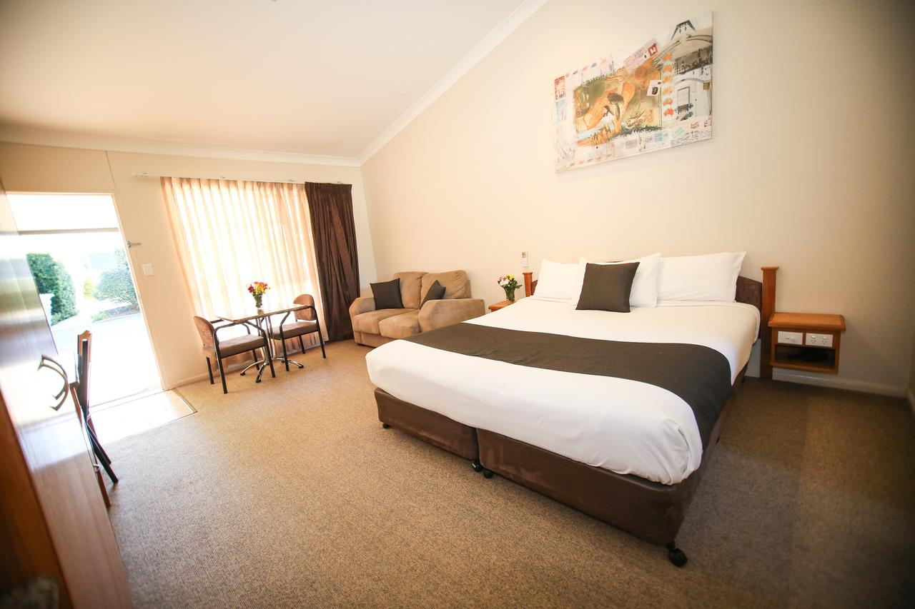 Roma Explorers Inn - Geraldton Accommodation