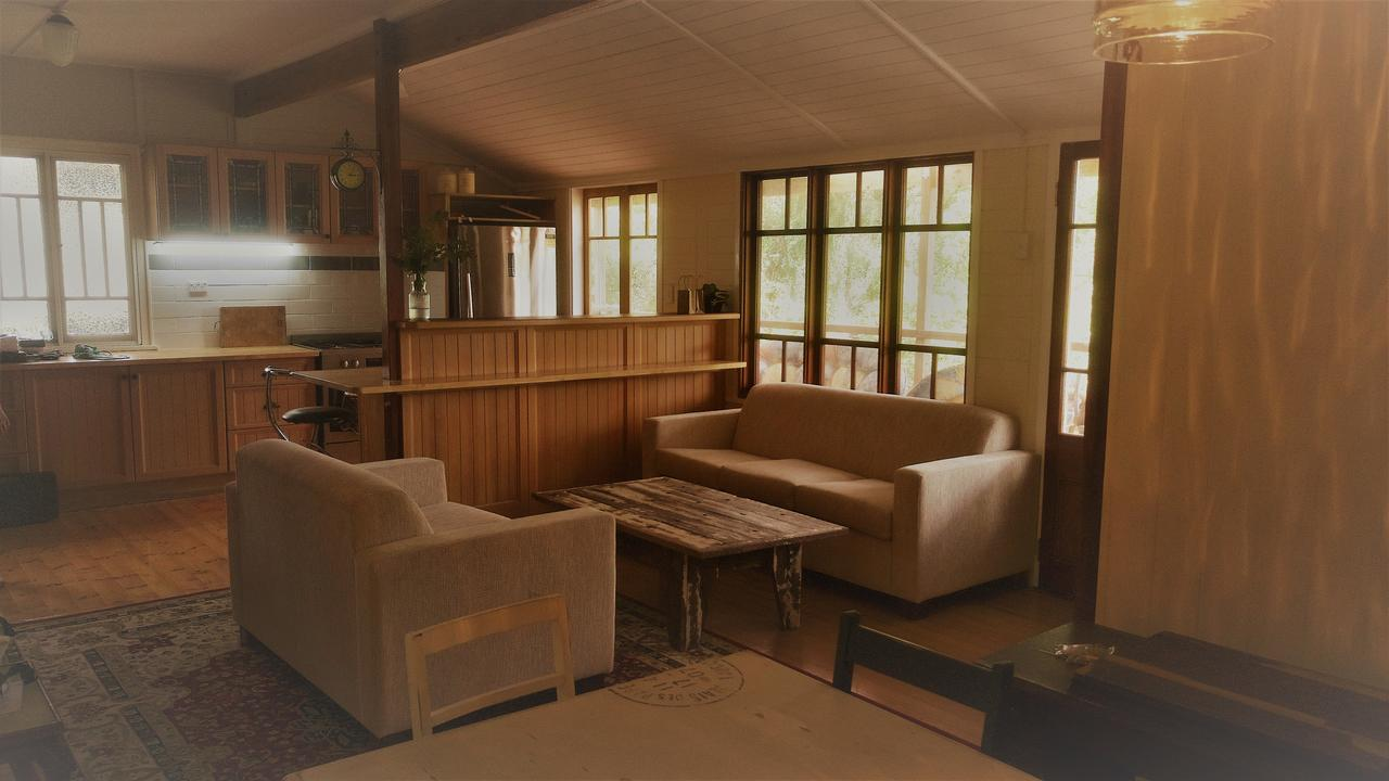 Boonah Cottage - Geraldton Accommodation