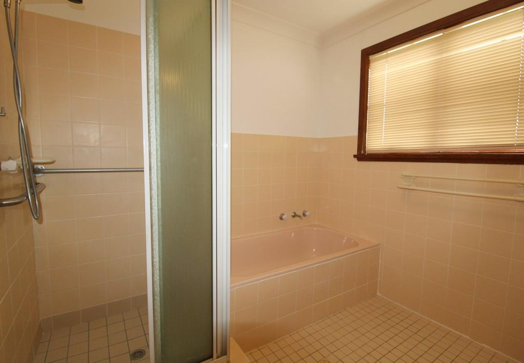 Amzaz 15 Korogora Street - Geraldton Accommodation